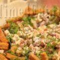 Немецкий салат с колбасой и фасолью
