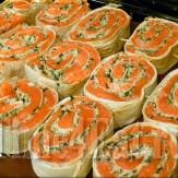 Рулеты из лосося запеченные в лаваше