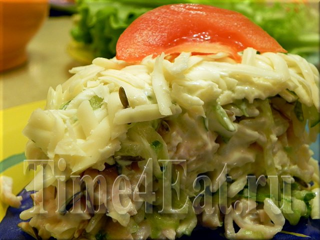 Слоеный салат с ветчиной и рисом