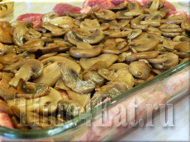 Свинины с грибами и сыром