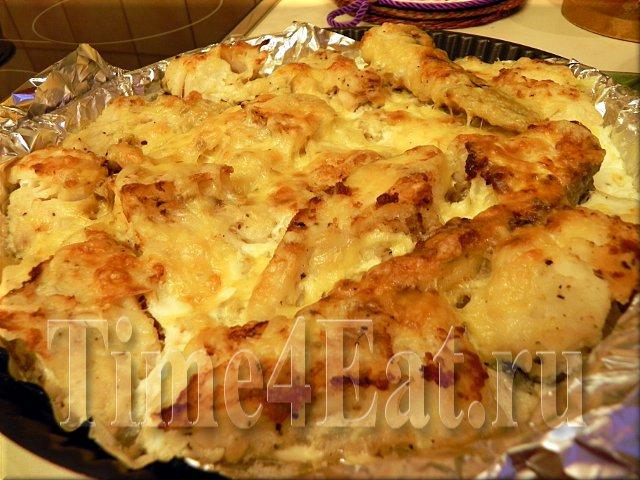Треска под сметаной с сыром